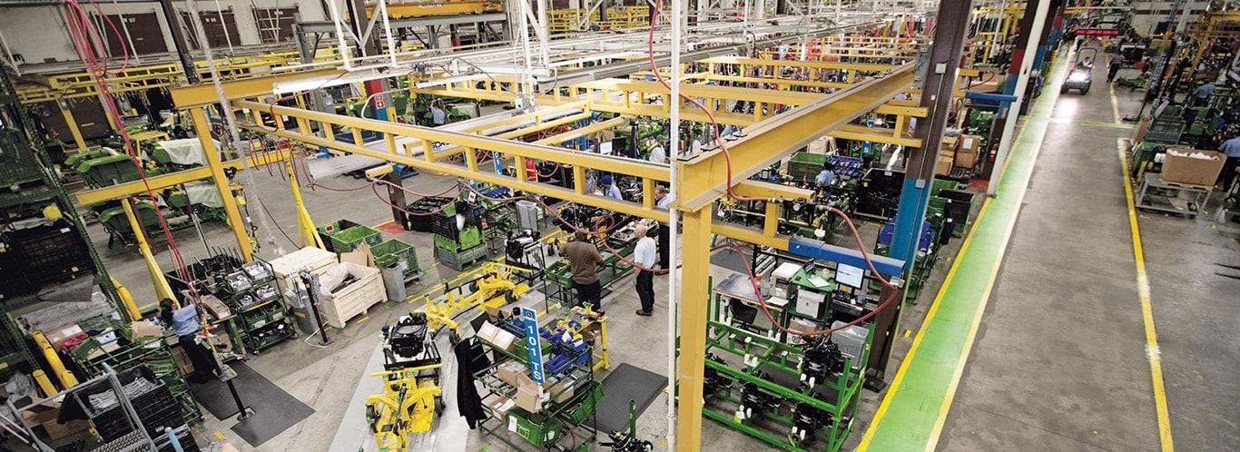 Stabilimenti di Augusta, trattori compatti, interni